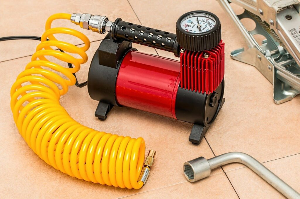 Connect the air compressor to the cleaning tool