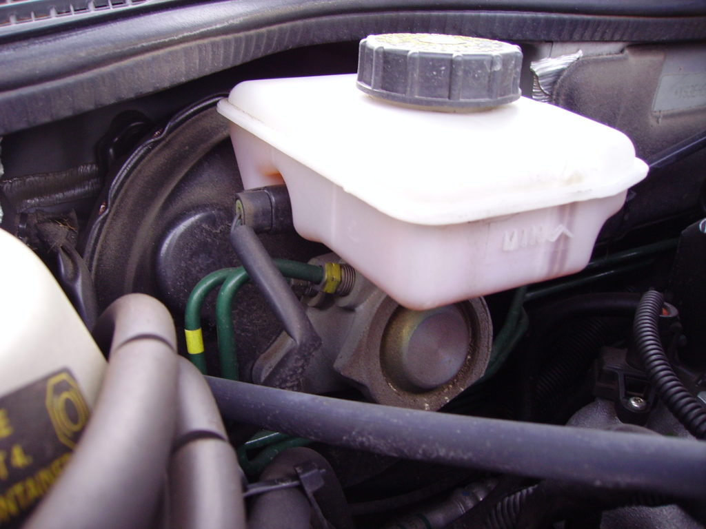 Is It Safe To Drive With a Bad Brake Master Cylinder